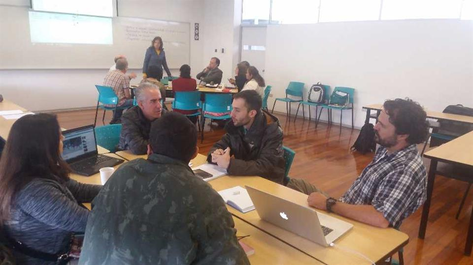 Breakout groups with Eduardo Arraut (right) and Angela Andrade (standing, click to enlarge)
