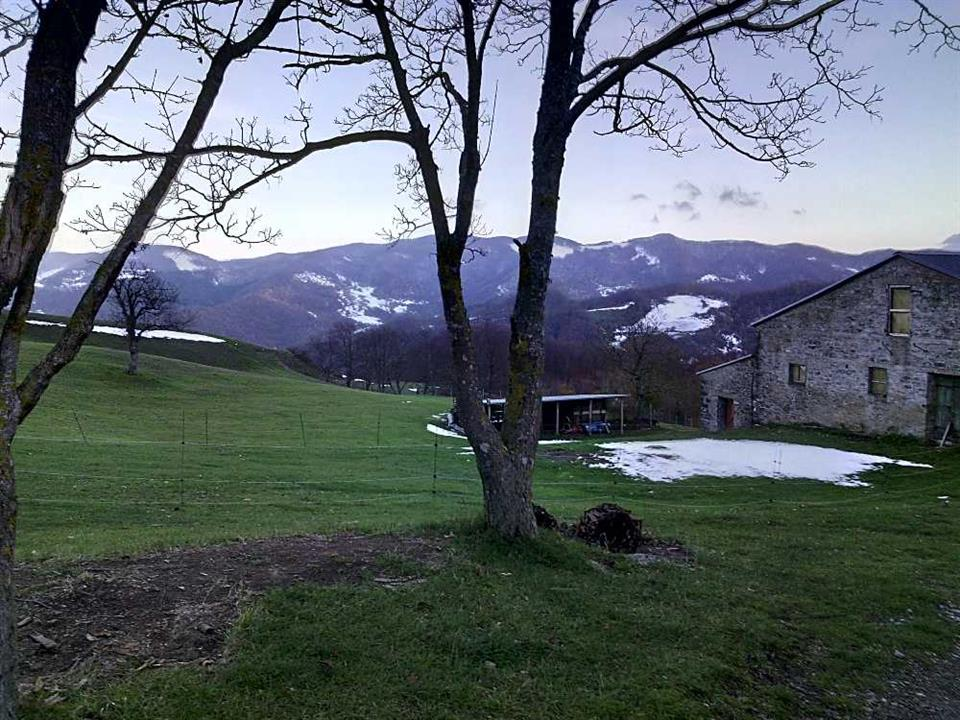 A farm in the Italian Appenines © Riccardo Simoncini